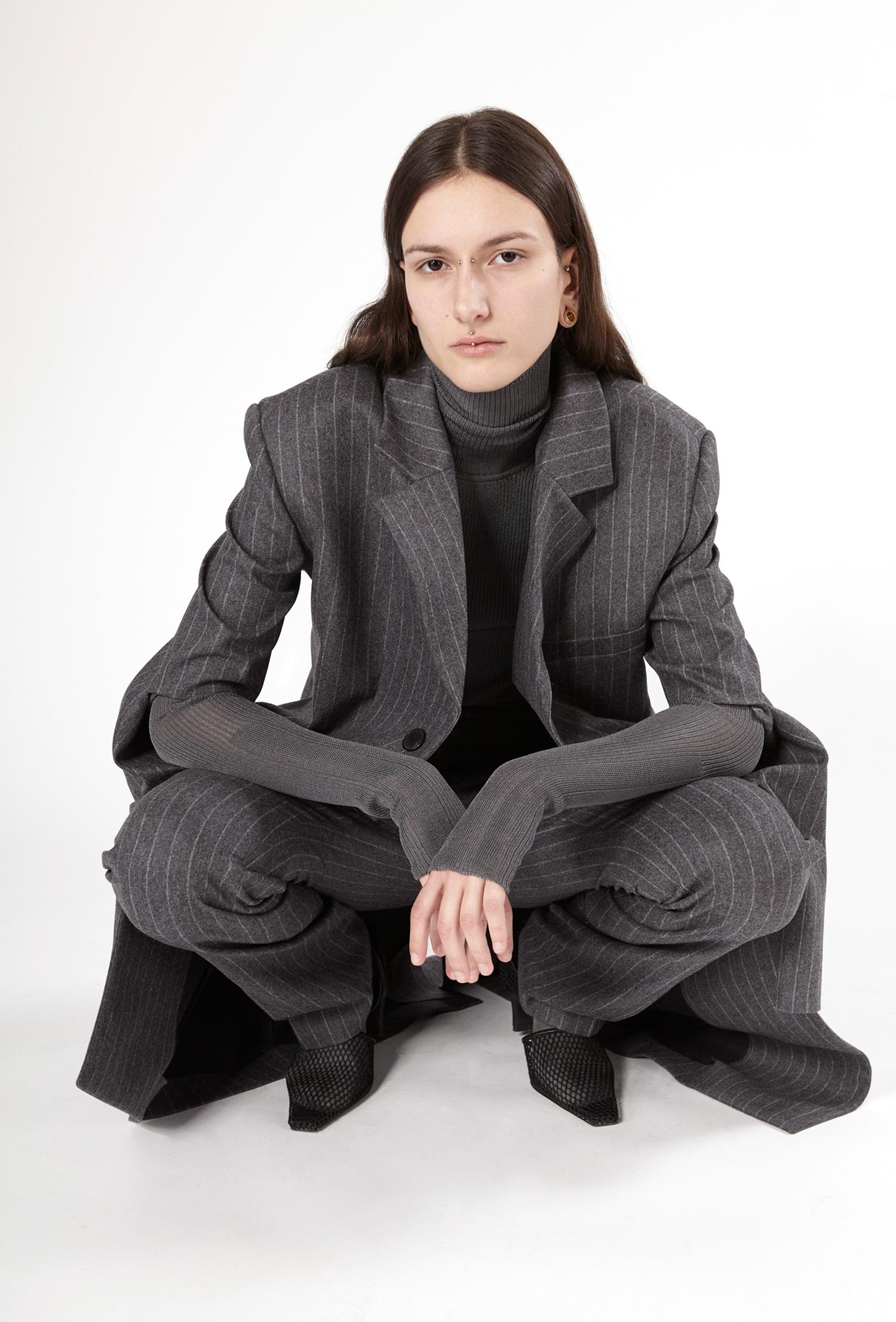 Coat RAVEN Trousers RUBI Knitwear RENELLE