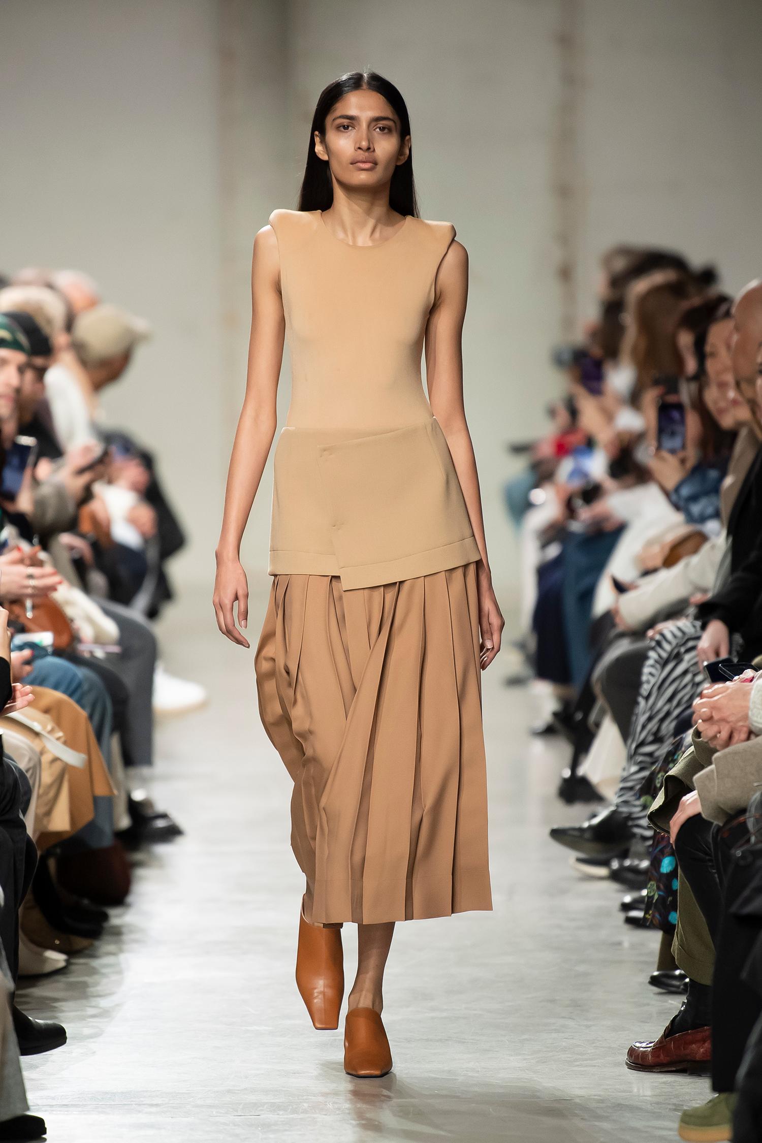 LOOK 11 Top ROSE Skirt RACKY