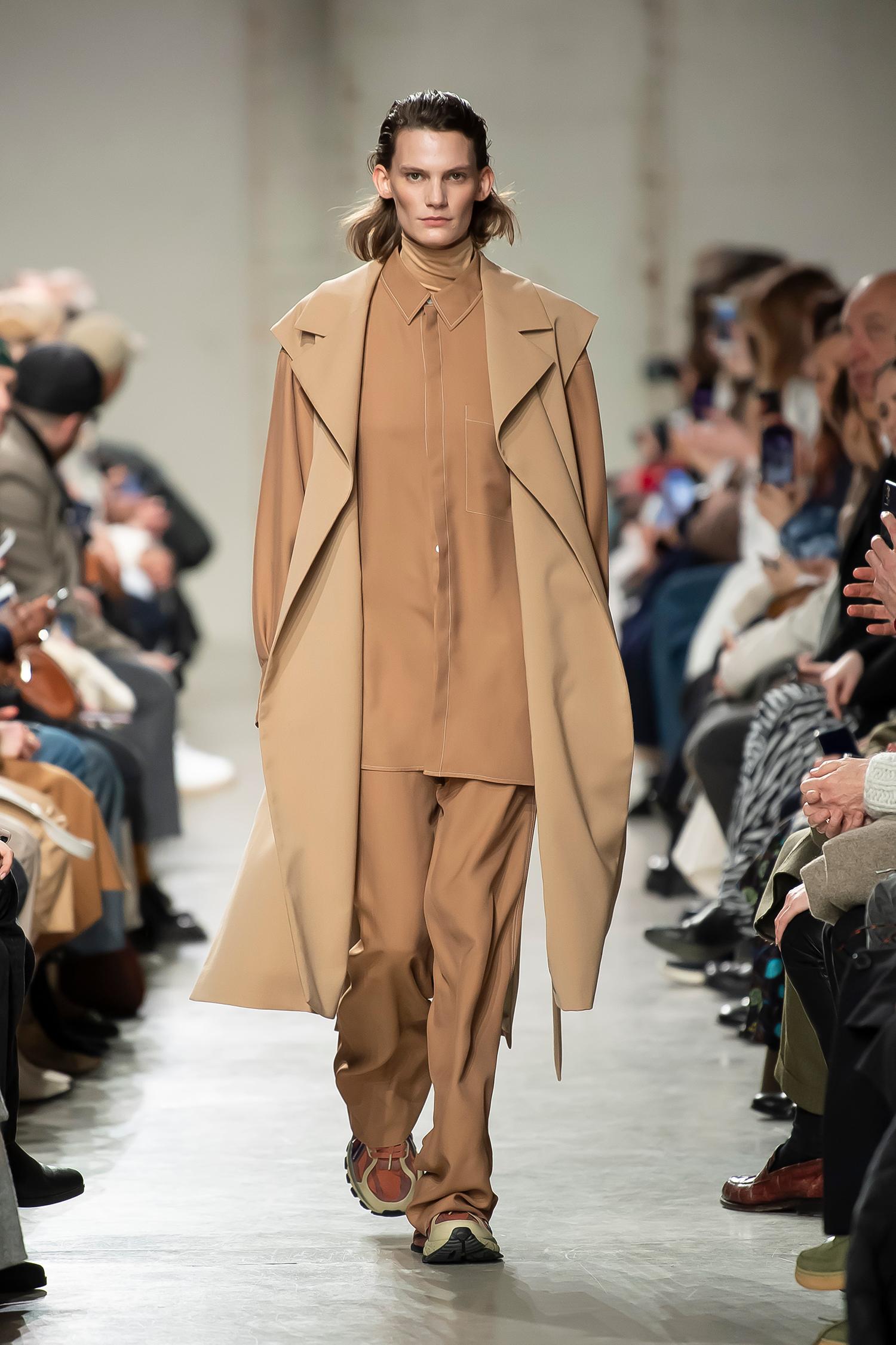 LOOK 12 Coat RAIN Top ROSA Shirt RIM Trousers RILLA