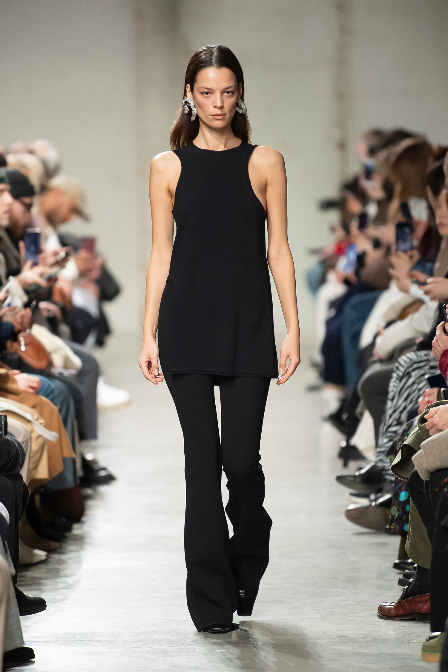 LOOK 13 Top RAGINI Trousers RIHANNA
