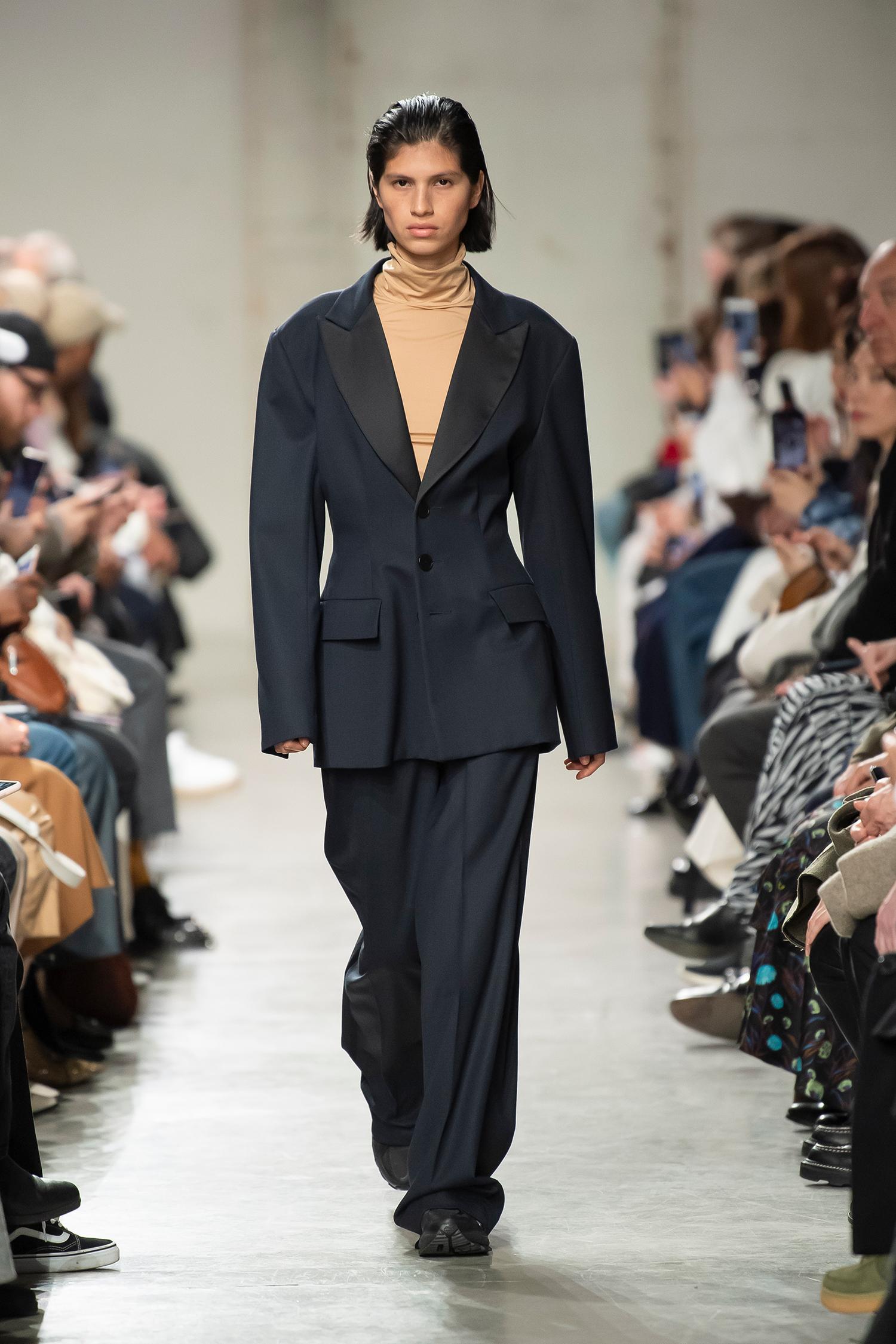 LOOK 24 Top ROSELINE Jacket RACHEL Trousers RUTH