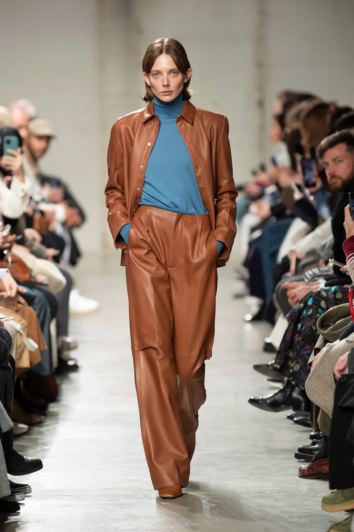 LOOK 36 Shirt ROMANA Knitwear RICHARD Trousers ROSELLE