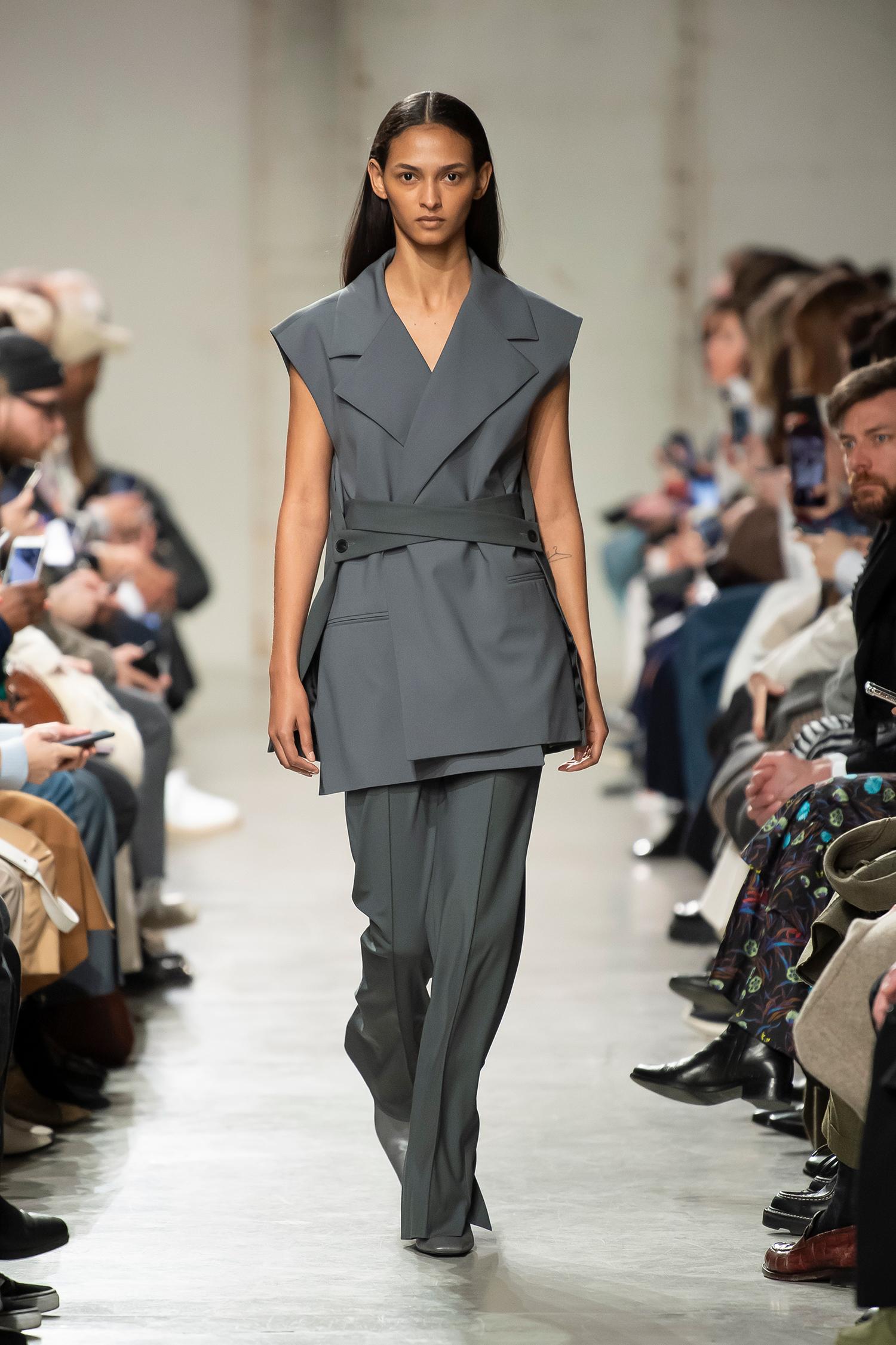 LOOK 40 Jacket REEF Trousers ROMEO
