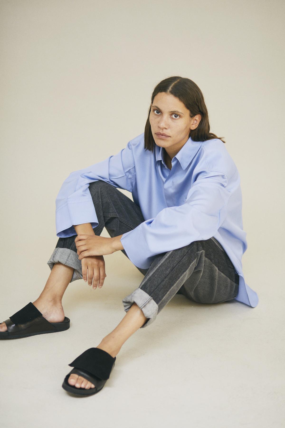 Shirt SEFIE, Trousers SUMMER B