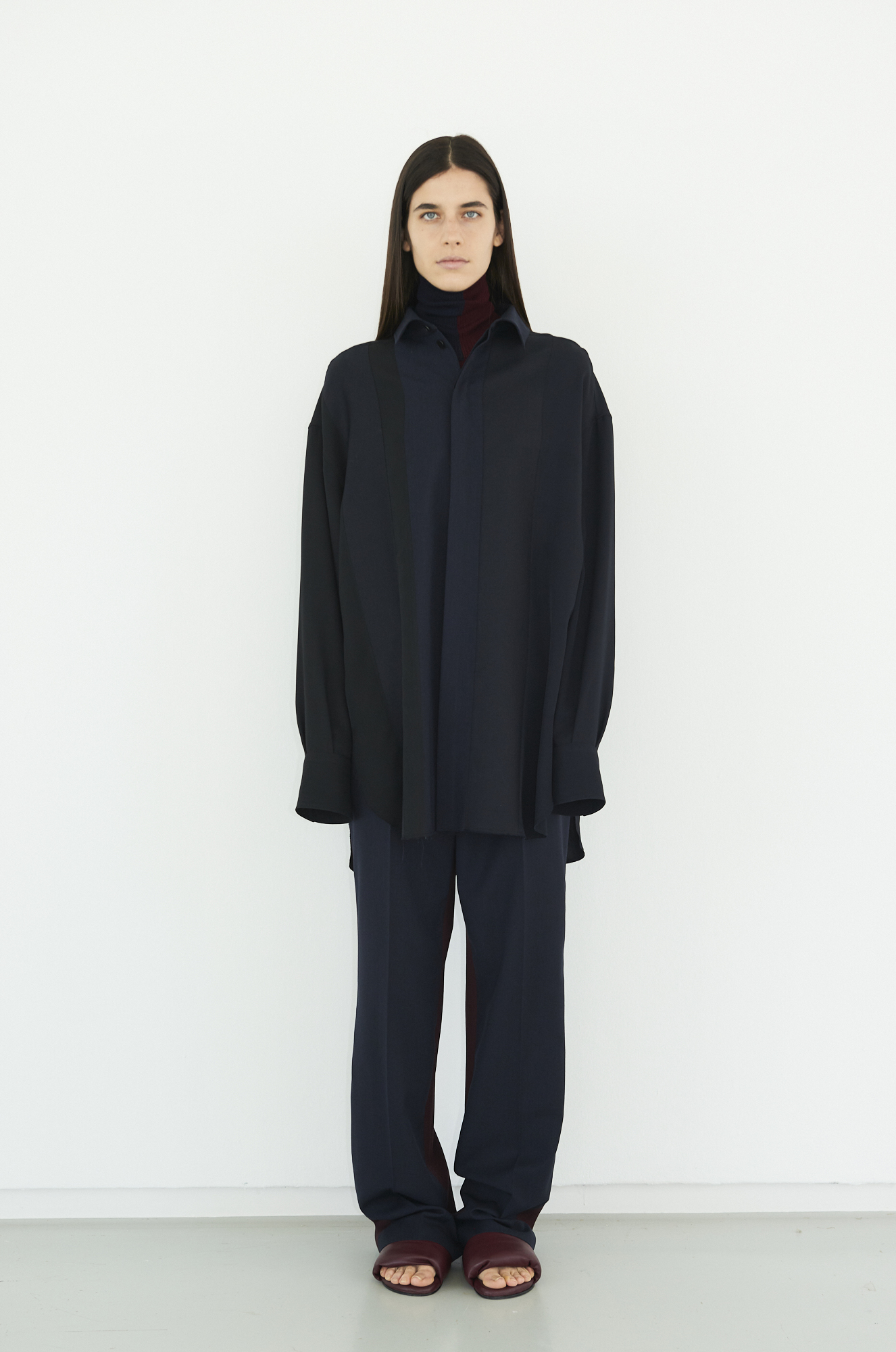 GAUCHERE Fall Winter 2021 Paris Fashion Week LOOK 14 Knit Top TAMER, Shirt THEES, Trousers TOVE, Shoes PILLOW